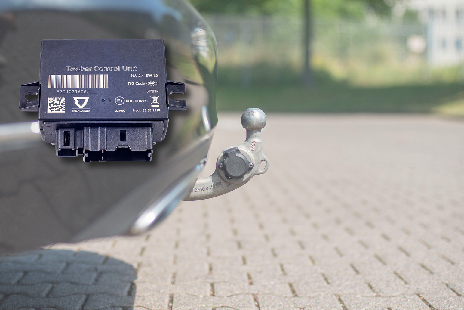 Towbar with socket by ERICH JAEGER